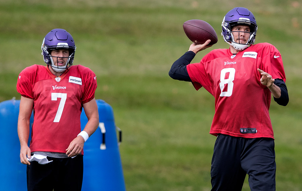 c1d22cdaf2a Vikings QB Sam Bradford strings together another practice ahead of Bears  game