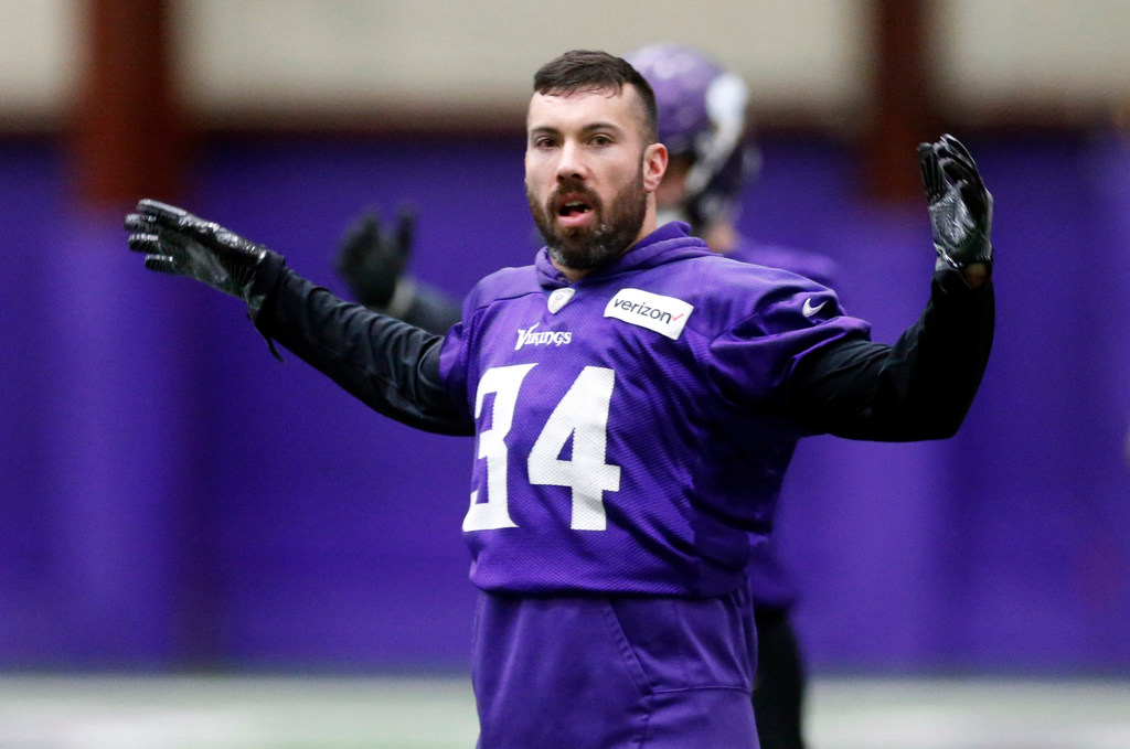buy online 96bd9 8d496 Sendejo, Thielen listed as questionable for Vikings-Eagles ...