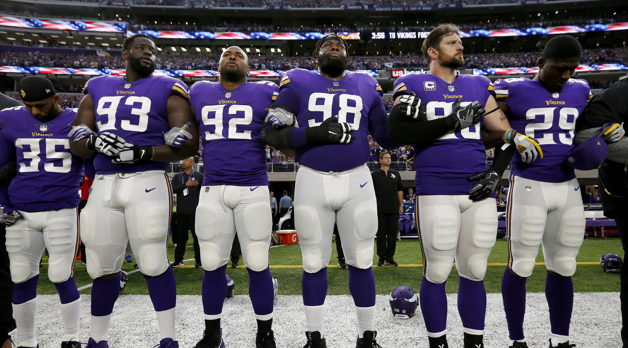 Zimmer  It s important Vikings stand for the national anthem ... e220d8e2e