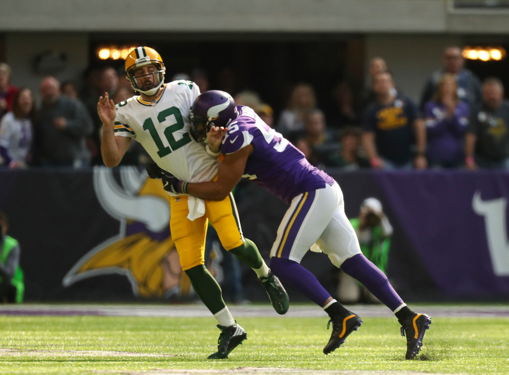 d47ddb51 Vikings favored by more than a touchdown at Green Bay with Rodgers ...