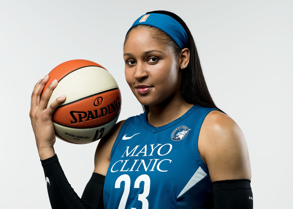 new concept 8a026 ceced Basketball legends praise Maya Moore s decision to sit out