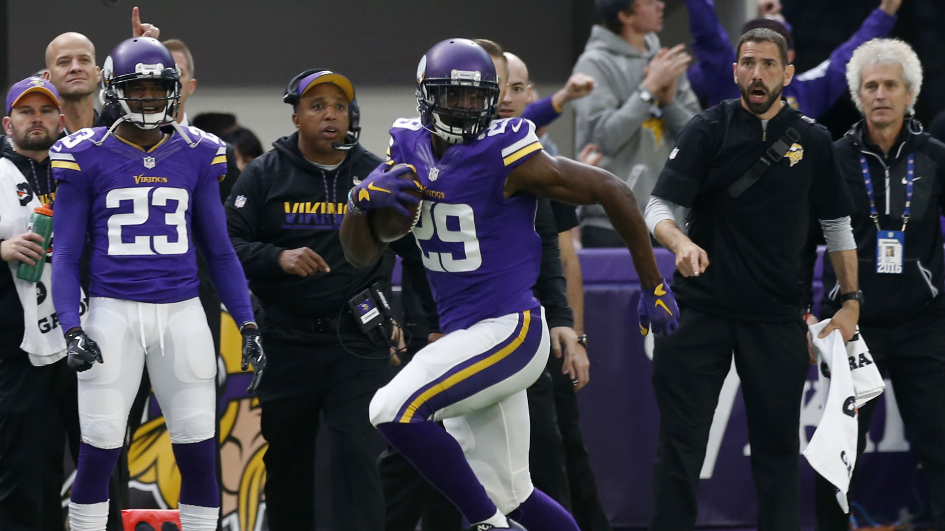 Xavier Rhodes sets Vikings franchise record with 100 yard