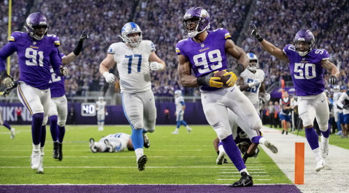 As the Vikings turned to Danielle Hunter at right defensive end for much of  the season s first half 9ddefb685