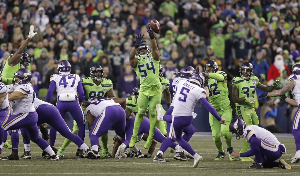 caa9b291af5 NFL VP of Officiating  Bobby Wagner should ve been flagged on blocked  Vikings field goal